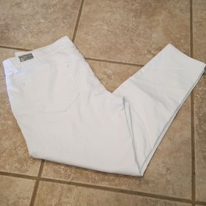 Wit & wisdom size 12 white cropped absolution